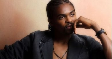 Thieves cart away Kanu's medals